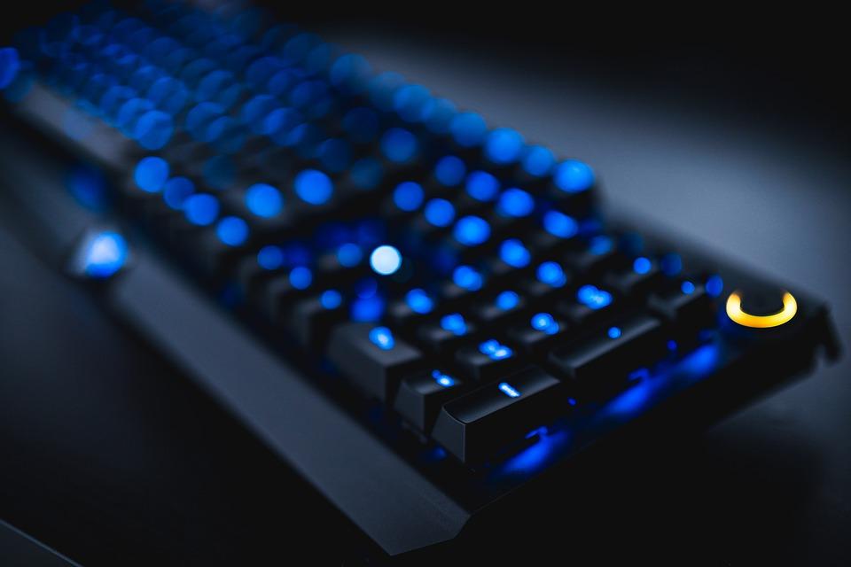 svítící klávesnice